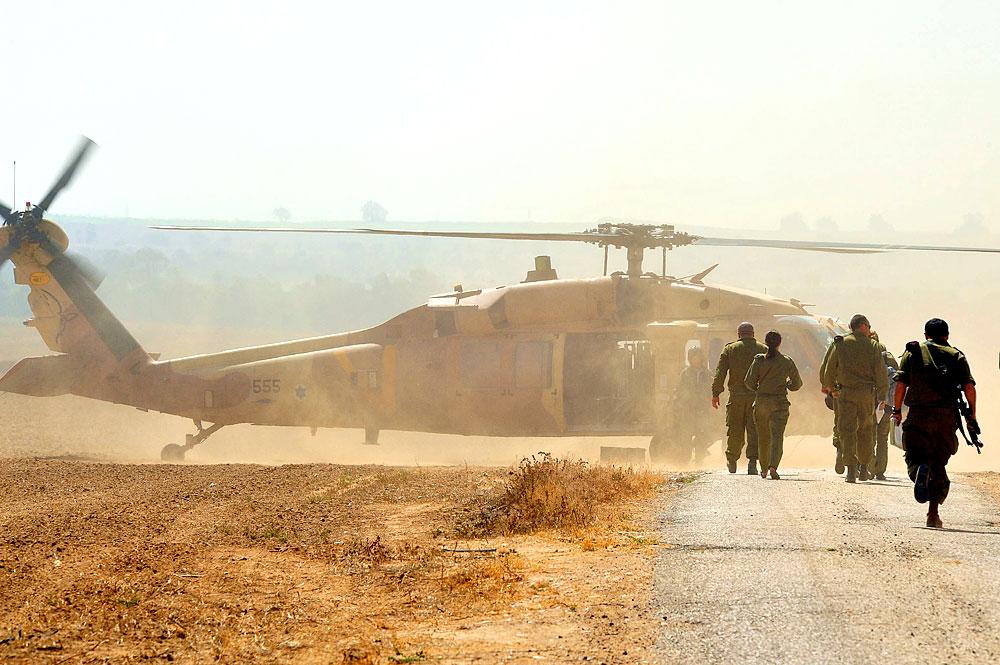 Israelische Soldaten (Foto: ChameleonsEye | Shutterstock)